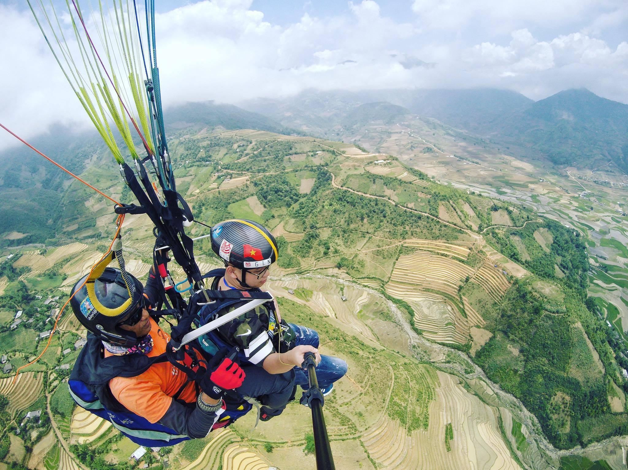 Quang Ninh: 2019年クアンニン省パラグライダー祭り:「遺産ゾーンの上を飛ぶ」
