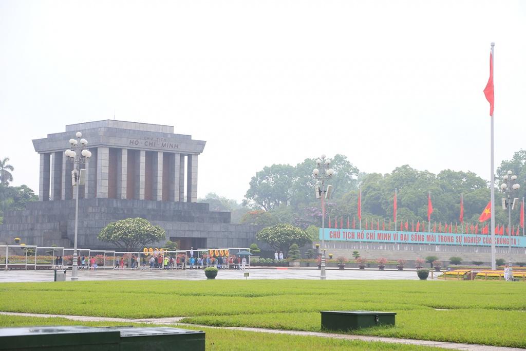ホーチミン廟:首都の建築及び文化的空間の典型的なところ7