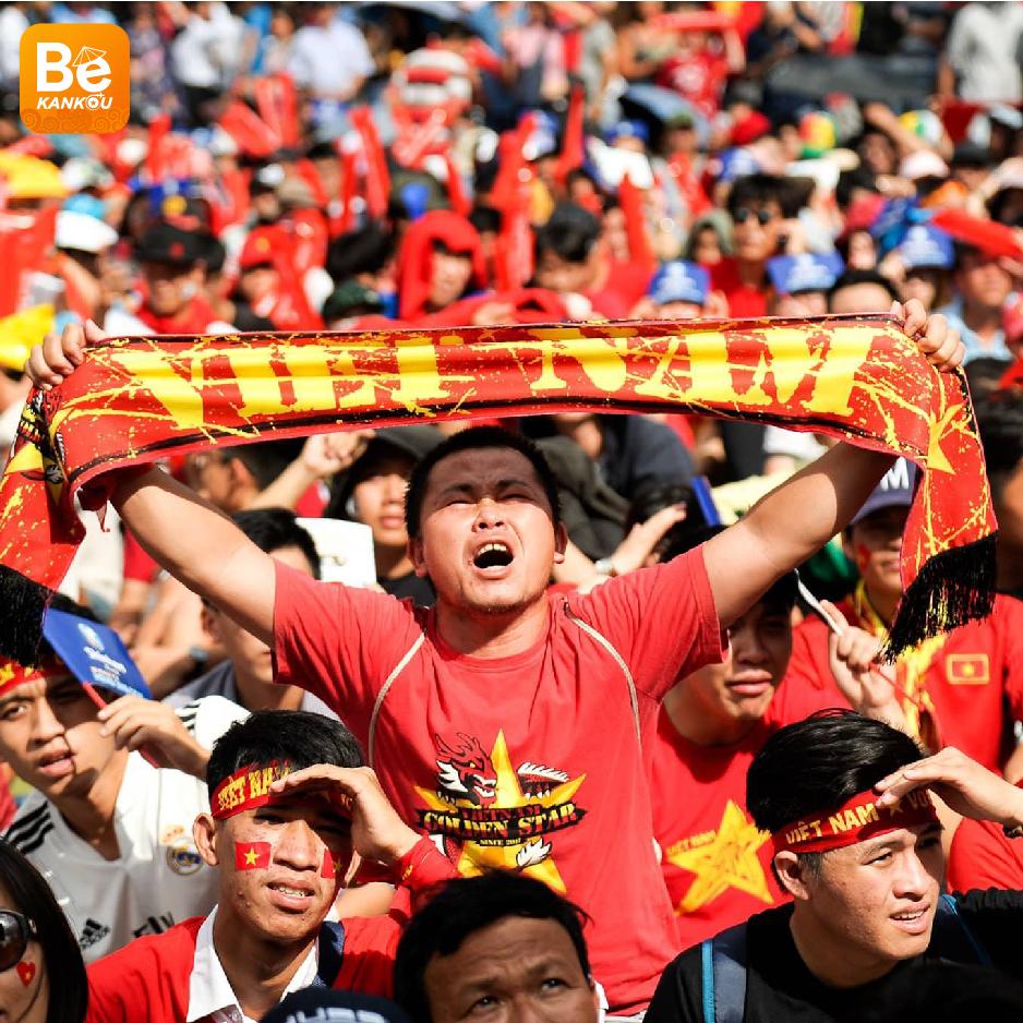 ベトナムにおける注目のイベント:9月5日の夜、NGUYEN HUE(グエンフエ)通りには、ベトナム対タイのサッカー試合を放送する大型スクリーン設置-014