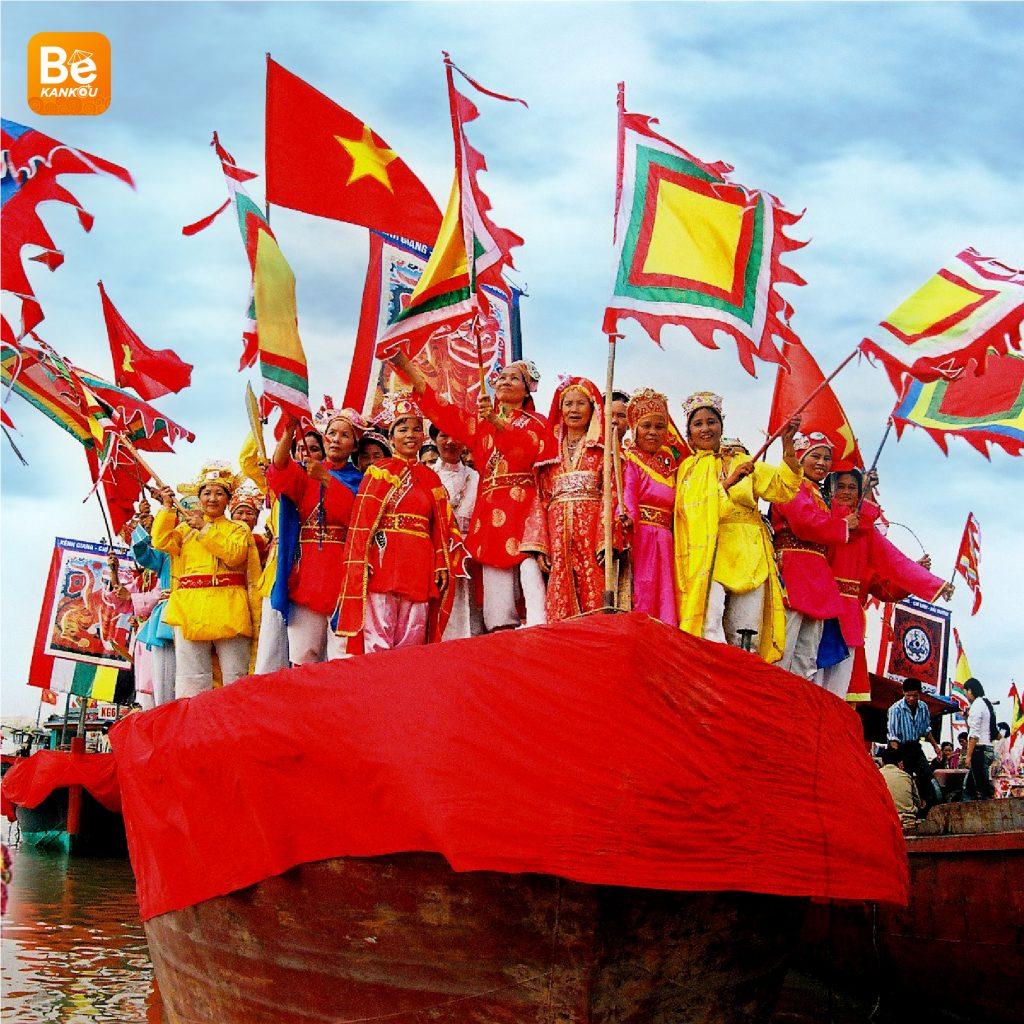 ハノイでの現代生活に最初の民俗祭-070