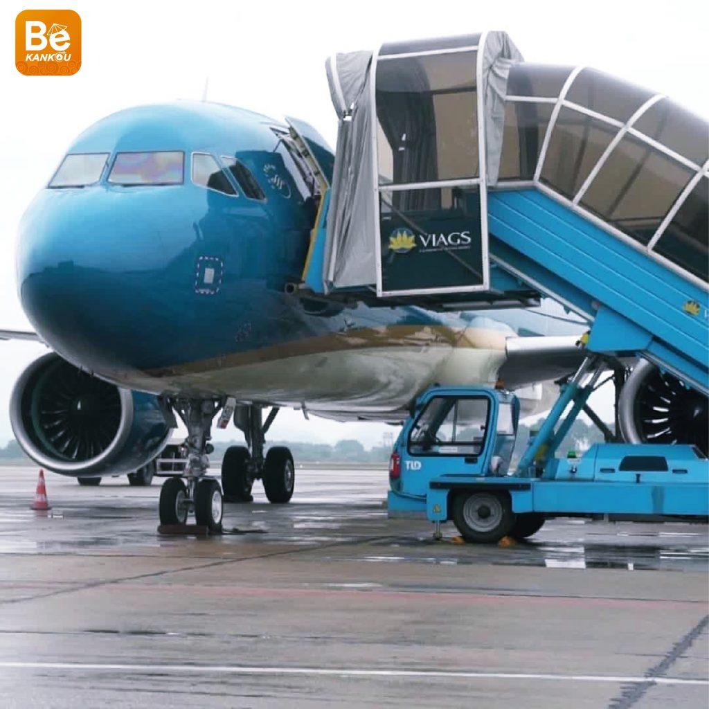 飛行機は左側からしか搭乗できない理由-01